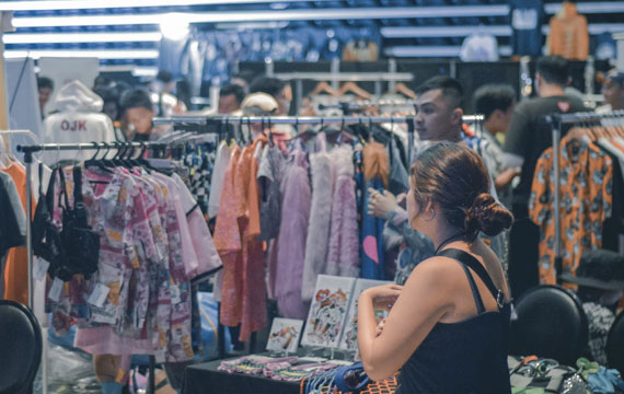Dang hinh anh Mo mot cua hang quan ao nhu the nao Phan tich canh tranh - Mở một cửa hàng quần áo như thế nào