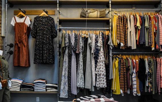 Dang hinh anh Mo mot cua hang quan ao nhu the nao Xac dinh duoc ngach kinh doanh cua minh - Mở một cửa hàng quần áo như thế nào